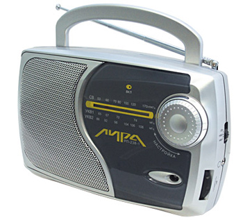 Переносной радиоприемник с универсальным питанием и раздельными УКВ1 и УКВ2 (FM) диапазонами.